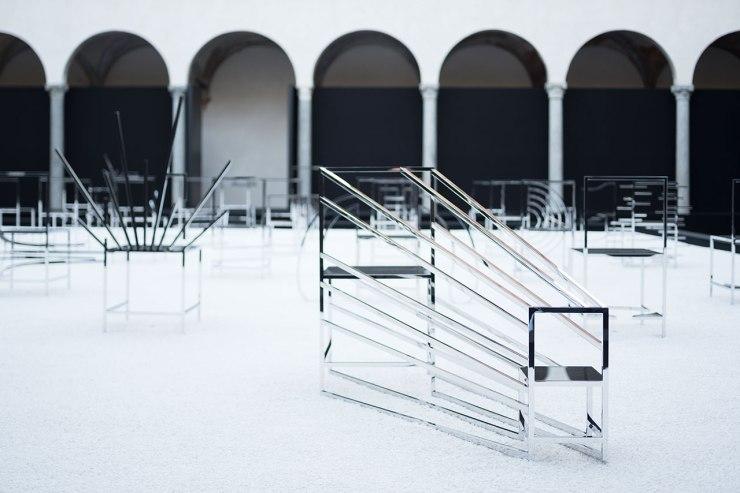 f3_50_manga_chairs_in_milan_nendo_for_friedman_benda_photo_takumi_ota_yatzer